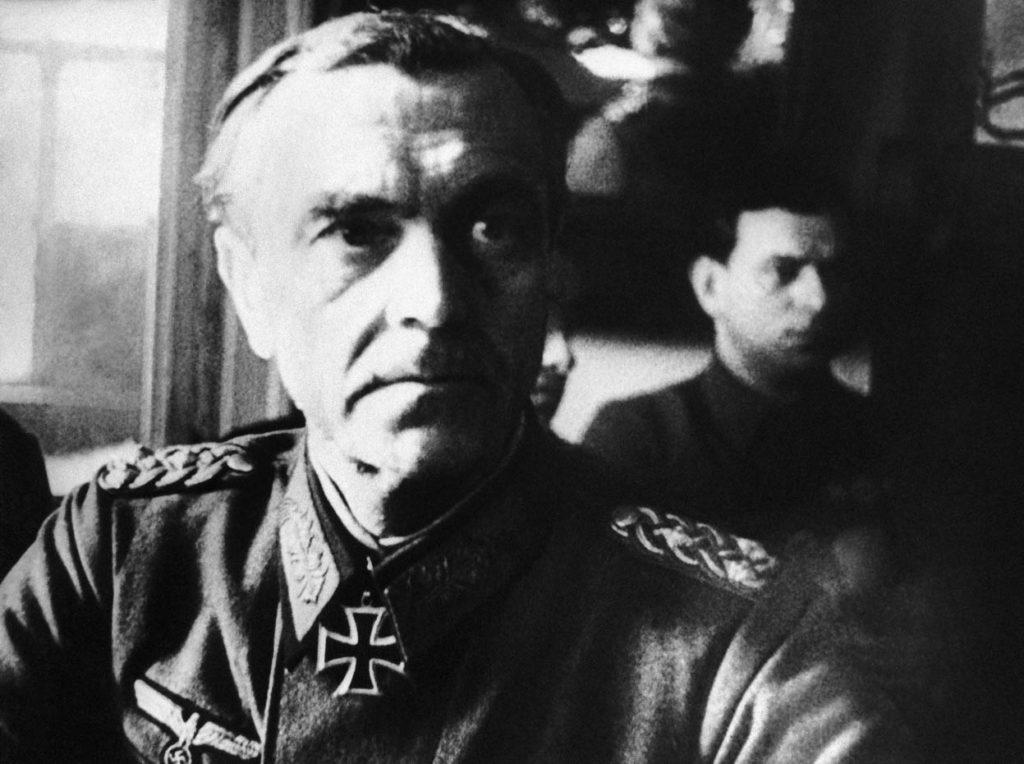 Фри́дрих Вильгельм Эрнст Па́улюс (нем. Friedrich Wilhelm Ernst Paulus; 23 сентября 1890, Гуксгаген, Гессен-Нассау — 1 февраля 1957, Дрезден) — немецкий военачальник (с 1943 года — генерал-фельдмаршал) и командующий 6-й армией, окружённой и капитулировавшей под Сталинградом. Один из авторов плана Барбаросса.