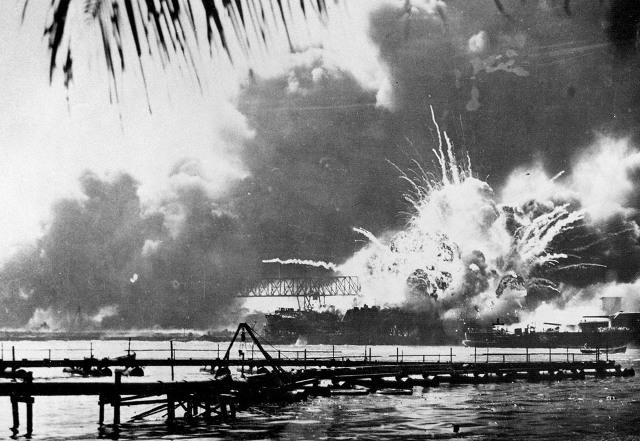 После нападения Япония официально объявила войну США, на следующий день за этими событиями последовала знаменитая речь президента Рузвельта «позор», после которой он подписал официальное объявления войны против Японской империи.